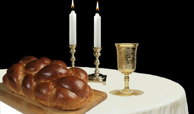 shabbat-candles-challah